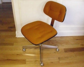 ON SALE  Vintage 1970's  Steelcase Office Chair