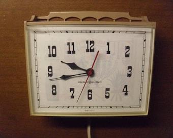 Vintage 1960's G.E. Kitchen Clock  Model  2132