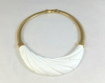 Gorgeous Creme Lucite Choker Necklace Signed Monet
