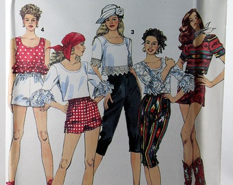 Simplicity 8493, Misses' Capri Pants or Shorts and Top Pattern, Sewing Pattern, Misses' Size 10-14, Uncut