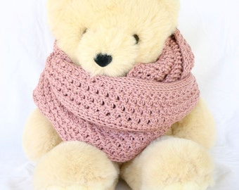 Crochet cowl pink tunisian lace knit stitch round circle scarf dusty rose wide neck warmer winter wear neckwear textured thick warm