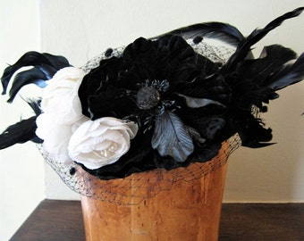vintage 80's 90's does 40's fascinator hat / black and white roses flowers feathers net veil royal wedding NWT