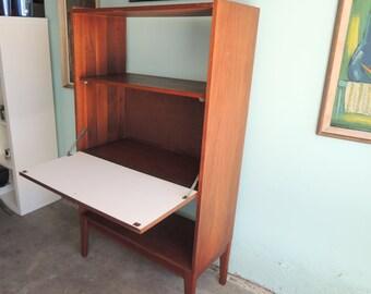 MID CENTURY MODERN Fold Down Desk/Bar/Bookshelf (Los Angeles)
