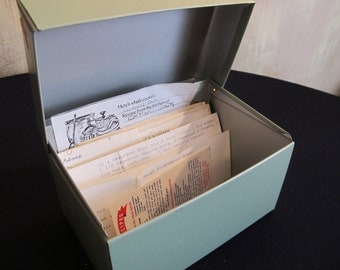 LARGE Light Green RECiPE BOX - retro recipes !!    Vintage Metal Card File office kitchen