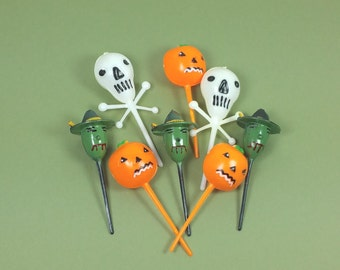 HALLOWEEN NOVELTY PICKS, Set of 8, Skulls, Pumpkins, Witches, 1980's, Vintage Cupcake, Cake, Holiday Decor