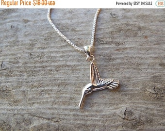 ON SALE Small hummingbird necklace in sterling silver 925