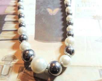 Faux Pearl Glass Beaded Necklace Gray White Monochromatic Vintage Jewelry