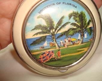 1950s Souvenir of Florida Beach Palm Tree Compact.