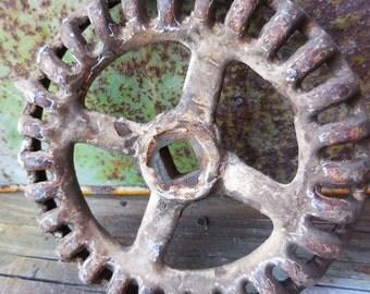 Vintage valve handle Crusty cast iron rustic industrial salvage repurpose restoration Machine age hardware knobs supplies 5 1/4