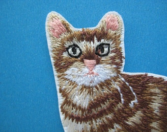 Iron-on Embroidered Patch Cat 2.9 inch
