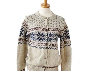 CIJ 40% off sale // Vintage 80s Snowflake Cedar Bend Beige Wool Sweater - Women S Cardigan - Made in America - nordic, ugly christmas
