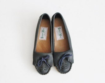 back to school sale // Vintage 80s Sioux Mox Tru Stitch Moccasin Flats - Blue Leather - Women 5.5