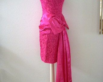 Vintage 80s Pink Strapless Lace Party Dress with Satin Swag by J Reynolds - Hot Pink Mini Prom Dress - Avant Garde - Size Small to X Small