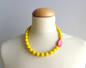 Yellow Red necklace,short beaded necklace, yellow necklace, red necklace, Retro yellow necklace