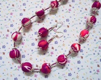 Grape, Fuschia, Hot Pink and White Swirl Necklace and Earrings (2336)