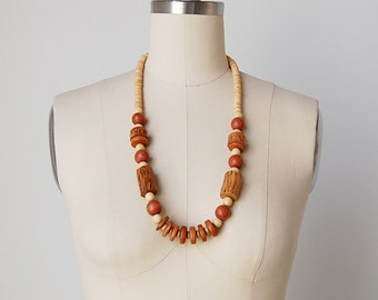 1970s wooden necklace / chunky wood necklace / beaded 70s necklace / Bora Bora necklace