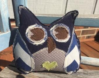 Lil' owl -green heart