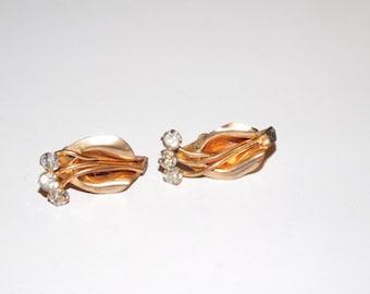 Rhinestone screw back floral earrings
