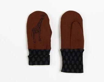 50% off: The Marsala and Giraffe Print Mini Mitten