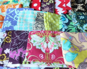 Quilting Scrap Bag by Weight - Fat Quarters FQ, 1/2 Yards, Scrappy Quit - 1 pound of Fabric Scraps