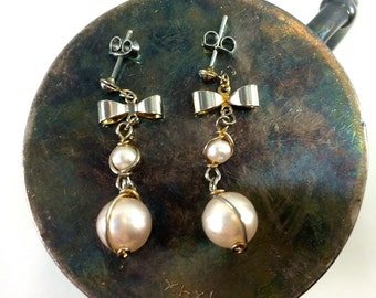 Pink pearl and bow dangles