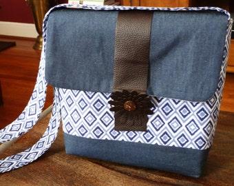 New Design!!! Messenger Satchel Bag With Pockets Inside Vegan Leather Front Band & Flower