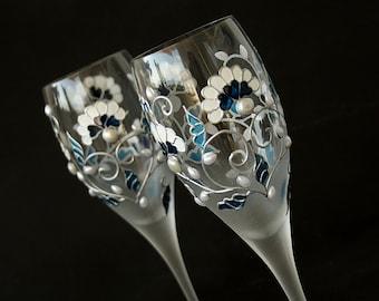 Wedding Glasses,Crystal Wine Glasses, Blue White Wedding, Beach Wedding, Toasting Glasses, Hand Painted Set of 2