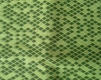 Green Small Diamond Christmas Print Combed Cotton Fabric 1 Yard X0532