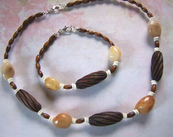 Wooden Beads with Mountain Jade Necklace and Bracelet Set Clearance