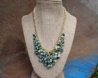Melphen: Natural Tree Green Agate Gemstone and Gold Bib Necklace for Bridesmaid Gift - Matches Meadow Green