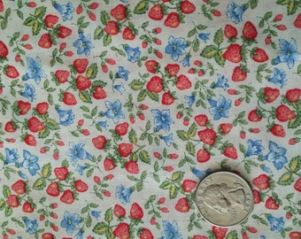 2+1/2 yd. Calico Size Little Strawberries Quality Cotton Print Fabric quilting, etc. Cranston VIP