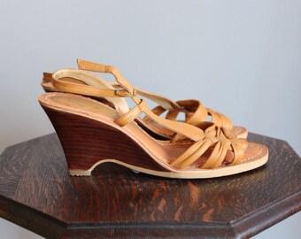 1970s Wedges // Chandlers Leather Wedge Sandals // vintage 70s wedges // 8M