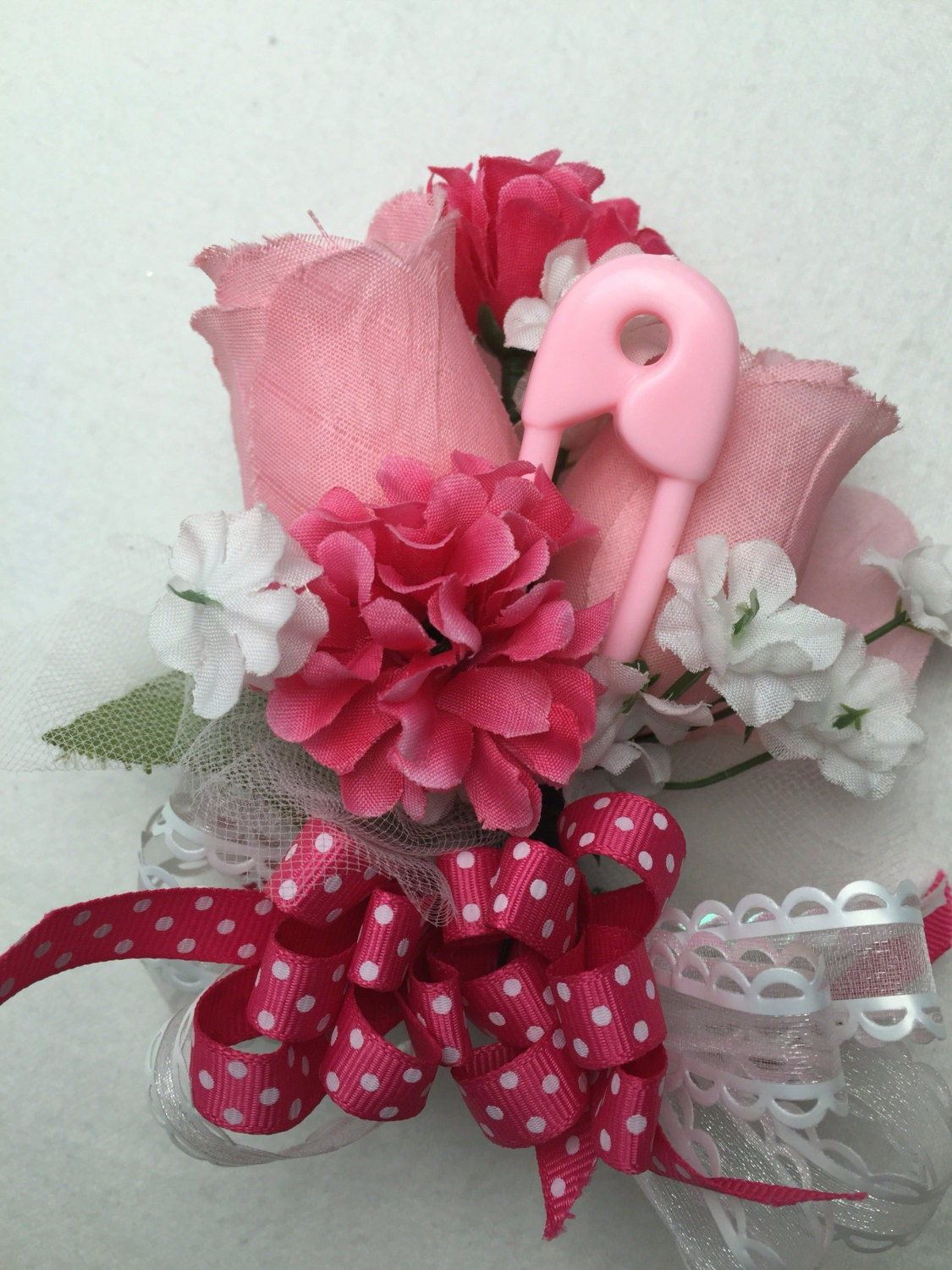 baby shower corsage pinks for mom to be