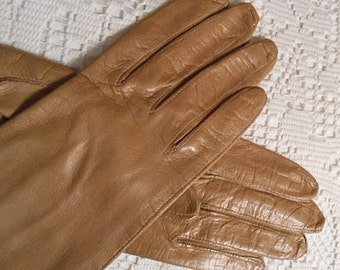 FAWN LEATHER Driving GLOVES Over the Wrist Italy Made Silk Lined, Soft Supple Lady's Size 7.5 Small, Thin Warm Winter Wear