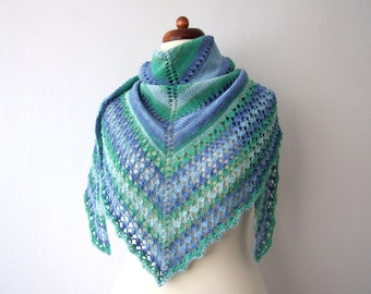 cotton triangle shawl, beach skirt, blue green white, summer knit