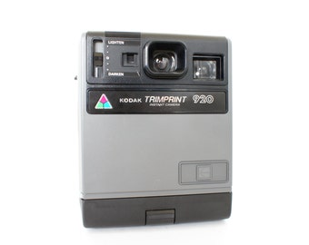Vintage Kodak Trimprint 920 Instant Camera -  Display