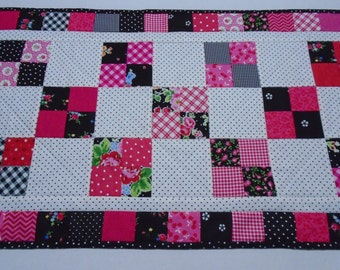 Quilted Table Runner, Quilted Dresser Scarf, Quilted Table Topper, Cottage Shabby Chic, Black White Fuchsia