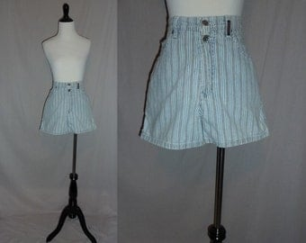 "80s Striped Shorts - Faded Blue Denim White Brown - High Waisted - Faded Broken In - Sasson - Vintage 1980s - Size 9/10 - 28"" waist"