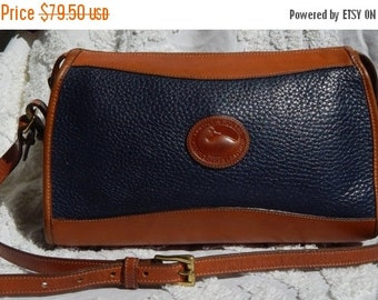 DISCOUNTED Fabulous Vintage Authentic DOONEY & BOURKE--Rich Navy Awl --Pebbled Leather - British Tan accents