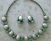 Vintage Regency Necklace ... Green Rhinestone And Pearlized