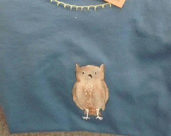 Handpainted owl on t shirt size small