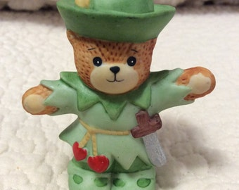 Enesco Lucy and Me Robin Hood Bear Figurine Heart Anthropomorphic