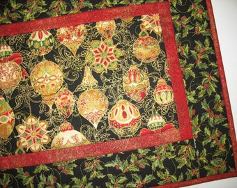 Christmas Table Runner, Ornaments in metallic, quilted  from Kaufman Flourish Line