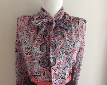 Flirty VINTAGE 1950s 1960s Red & Gray ATOMIC Floral Paisley Button Down Long Sleeve Blouse w Ascot Tie Neck