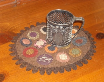 Scrappy Wool Penny Mat, Maggie Bonanomi Club Design - FREE US SHIPPING
