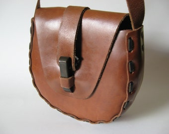 Sturdy vintage tooled chocolate brown leather flap purse large stitch detail boho shoulder bag toggle closure