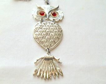Vintage silver tone Owl pendent Necklace