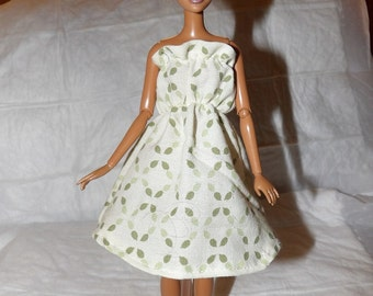 Ruffled sun dress in beige with green print for Fashion Dolls - ed893