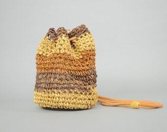 90's Woven Bucket Bag