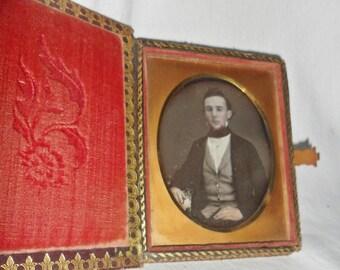 1850's DAGUERREOTYPE 1/4 plate - Handsome Young Man - Book Case - Token
